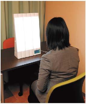 体への負担が少なく、脳内の神経伝達物質の回復にもつながる光療法