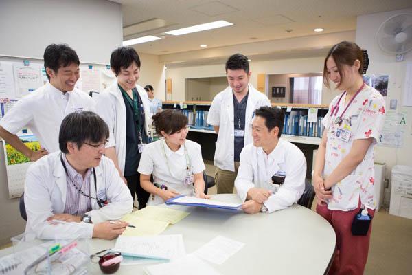 チーム内のコミュニケーションも大切にしている村山医師