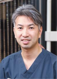 副院長 町田 二郎 まちだ・じろう●1999年、松本歯科大学卒業。2009年、国際インプラント学会(ICOI)フェロー、11年、米国インプラント学会(ADIA)フェローなどを経て、アトラスタワーデンタルクリニックに勤務。