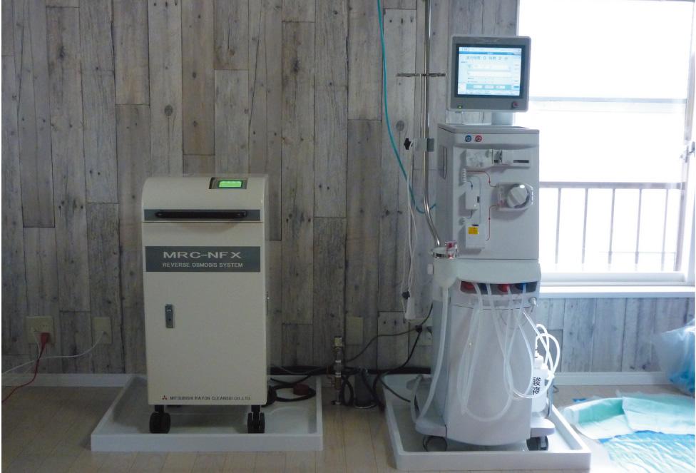 患者の自宅に置かれる在宅血液透析の機械