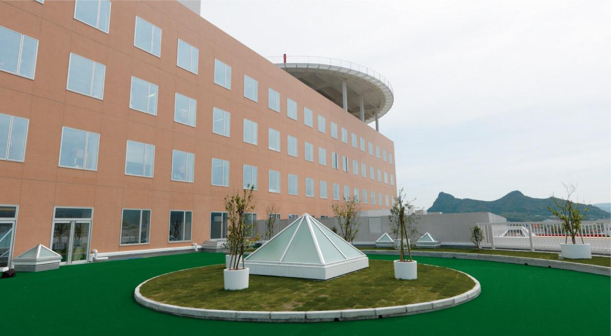 新しく開設する回復期リハビリテーション病棟の屋上庭園